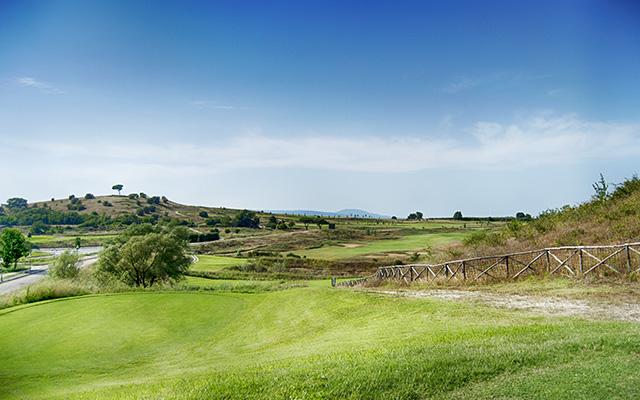 SunnyEscapes_Italien_Monterosi_Golf-Club-Terre-dei-Consoli_Golplatz4_Long-Stay_640x400