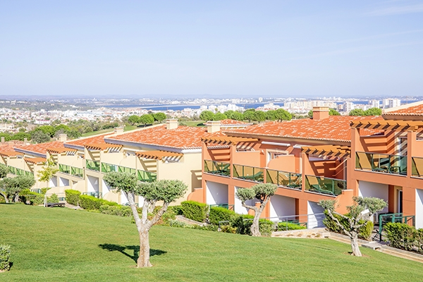 SunnyEscapes_Portugal-Lagos_Boavista-Resort_Bela-Colina_Blick-auf-Lagos_Long-Stay