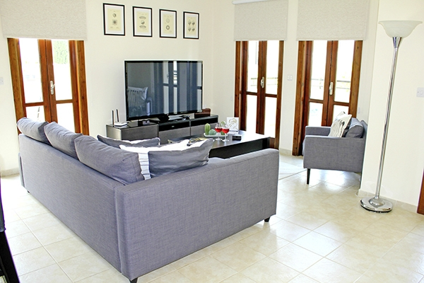 SunnyEscapes_Zypern_Paphos_Aphrodite-Hills-Resort_Apartment_Wohnzimmer3_Long-Stay