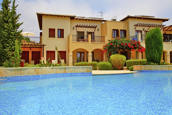 SunnyEscapes_Zypern_Paphos_Aphrodite-Hills-Resort_Apartments_Aussenansicht_Long-Stay