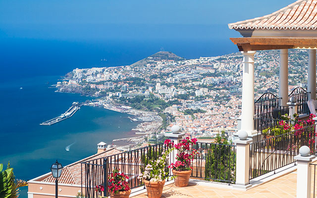 SunnyEscapes_portugal_madeira_Funchal_palheiro-village_Aussicht_long-stay