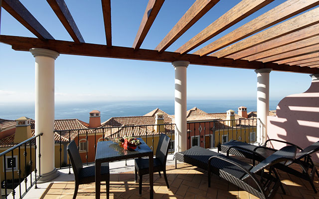 SunnyEscapes_portugal_madeira_Funchal_palheiro-village_Balkon_Meerblick_long-stay