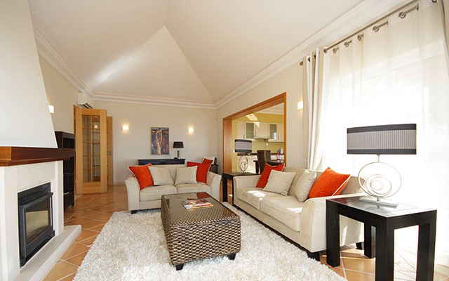 SunnyEscapes_portugal_madeira_Funchal_palheiro-village_Wohnzimmer_long-stay