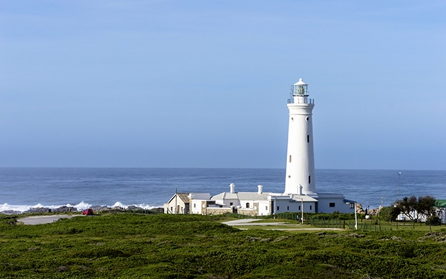 Das Seal Point Lighthouse in unmittelbarer Nähe des Cape St Francis Resorts