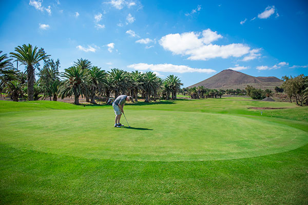 SunnyEscapes_Spanien_Lanzarote_Costa-Teguise_Costa-Teguise-Golf-Gruen_Long-Stay