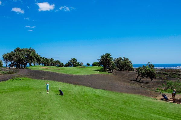 SunnyEscapes_Spanien_Lanzarote_Costa-Teguise_Costa-Teguise-Golf_Fairway2_Long-Stay