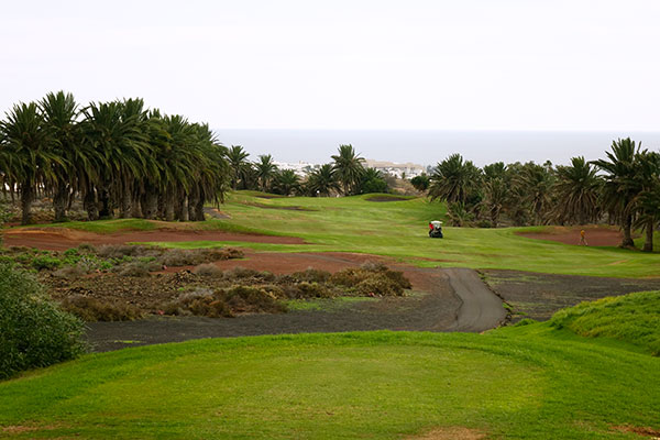 SunnyEscapes_Spanien_Lanzarote_Puerto-del-carmen_Golf-costa-teguise_Long-stay