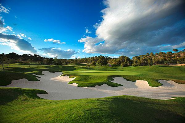 Gut verteidigte Grüns im Las Colinas Golf und Country Club erfordern ein präzises Spiel