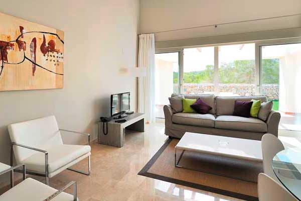 SunnyEscapes_Spanien_Las-Colinas-Golf-und-Country-Club_Residences_Wohnzimmer_Long-Stay