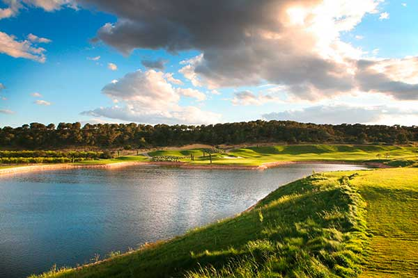 SunnyEscapes_Spanien_Las-Colinas-Golf-und-Country-Golfplatz-See_Long-Stay
