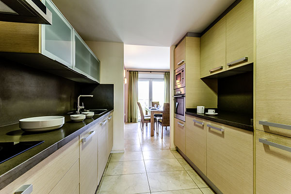 SunnyEscapes_Spanien_Alicante_El-Plantio-Golf-Resort_Apartment_Kueche_Long-Stay