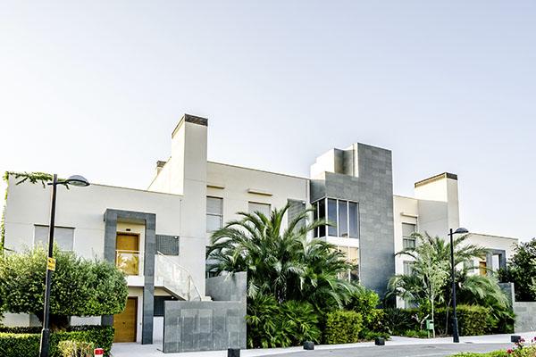 SunnyEscapes_Spanien_Alicante_El-Plantio-Golf-Resort_Apartments-Aussenansicht_Long-Stay