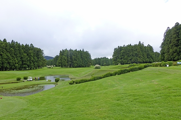 SunnyEscapes_portugal_Azoren_Sao-Miguel_Golfplatz-Furnas_long-stay