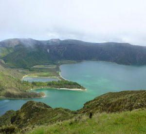 """Der """"See des Feuers"""" - lagoa do fogo auf Sao Miguel, eine der Vulkaninseln der Azoren"""