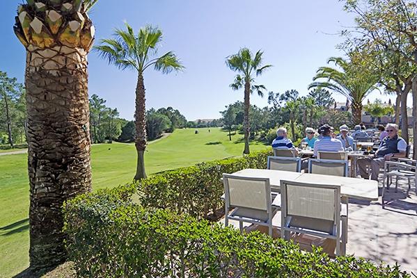 SunnyEscapes_Spanien_Costa-de-la-Luz_ The-Residences-Islantilla-Apartments_Golfclub_Clubhaus-Terrasse_Long-Stay
