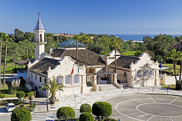 SunnyEscapes_Spanien_Costa-de-la-Luz_ The-Residences-Islantilla-Apartments_Golfclub_Clubhaus_Long-Stay