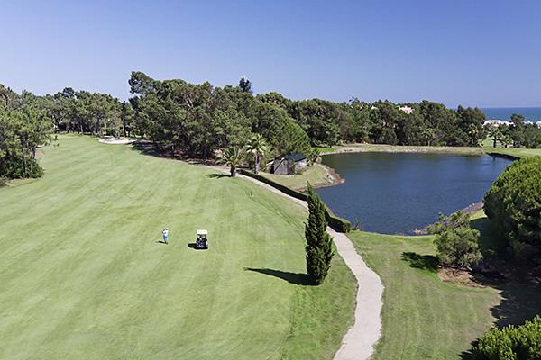 SunnyEscapes_Spanien_Costa-de-la-Luz_ The-Residences-Islantilla-Apartments_Golfplatz-Loch-1_Long-Stay