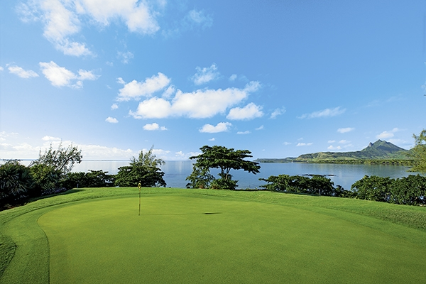 SunnyEscapes_mauritius_anahita_golfplatz_Ile-aux-Cerfs_Golfplatz_Spielbahn-5_long-stay