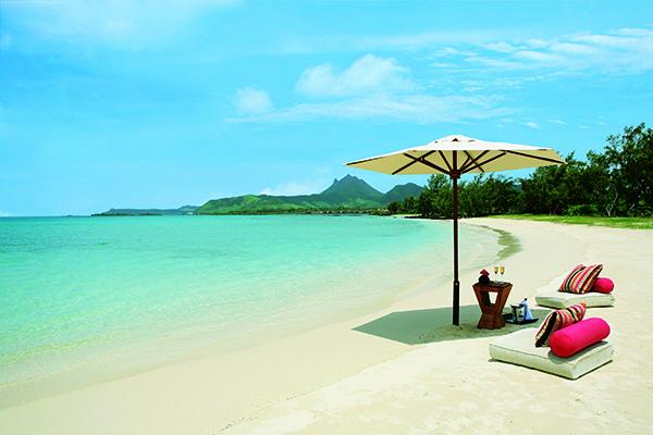 SunnyEscapes_mauritius_anahita_golfplatz_Ile-aux-Cerfs_Strand_long-stay