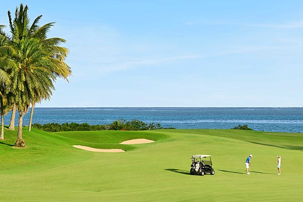 SunnyEscapes_mauritius_anahita_golfplatz_long-stay