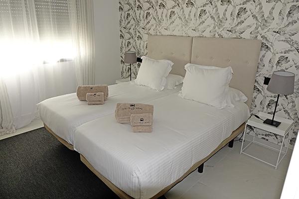 SunnyEscapes_Spanien_Estepona_Mirador-de-Estepona_Apartment_Schlafzimmer_long-stay