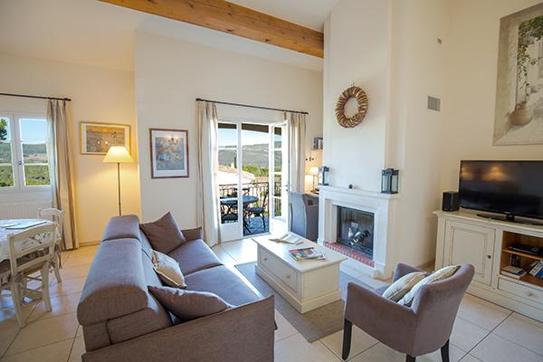 Das Wohnzimmer im Apartment mit zwei Schlafzimmern in Les Domaines de Saint-Endréol