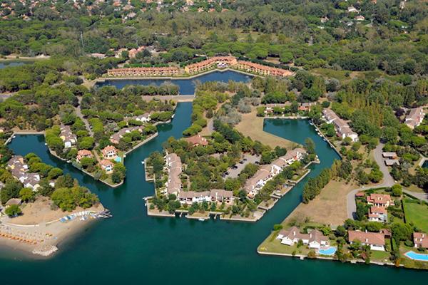 Italien Venetien Albarella Residences Fiordo Diamante Luftbild